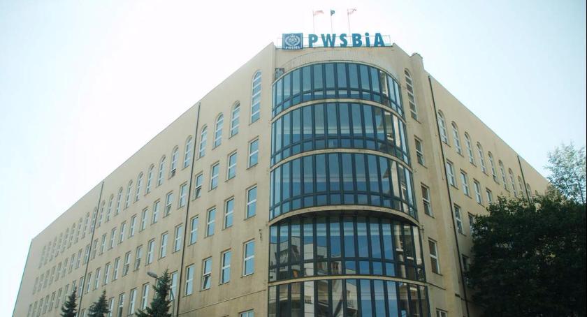 Szkolnictwo, Dramat Liceum Polonijnego pękniętej zalała piętra Potrzebny natychmiastowy ratunek - zdjęcie, fotografia