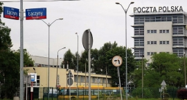 Siedział w areszcie na Służewcu, zbiegł z Poczty Polskiej na ul. Łączyny 8, teraz go szukają