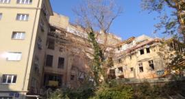 """Na ulicy Słonecznej, obok Hotelu """"Karat"""", zawaliła się remontowana kamienica"""