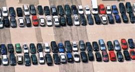 Za nowy sposób rejestracji samochodów stołeczny ratusz przeprasza, Mokotów nie ma za co