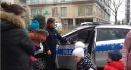 Policja wpadła do przedszkola przy ul. Pory 60 i… zrobiła dzieciakom niespodziankę!