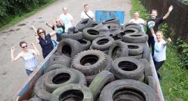 Fundacja Ja Wisła oczyszcza park Arkadia ze śmieci i brudu
